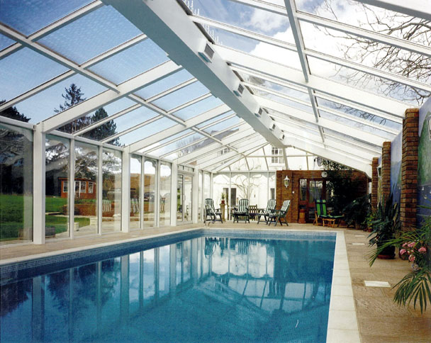 Swimming pool in conservatory maidenhead buckinghamshire pool 3 clearwater swimming pools ltd for Swimming pools buckinghamshire